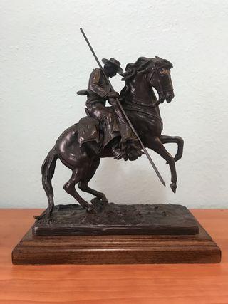Figura F.Bonilla en bronce