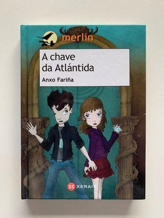 """Libro """"A chave da Atlántida"""", de Anxo Fariña."""