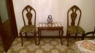 sillas y mesa centro