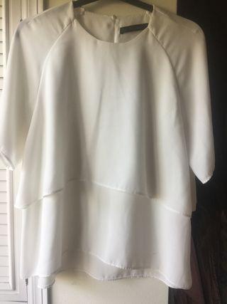 Blusa camisa top de Zara. Con volante