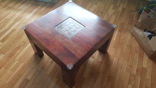 Mesita de salón de madera maciza