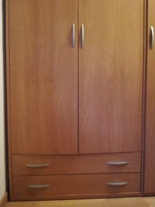 Armario madera clara