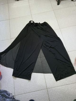 pantalón con capa