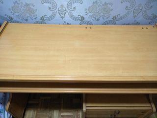 mesa escritorio en muy buen estado