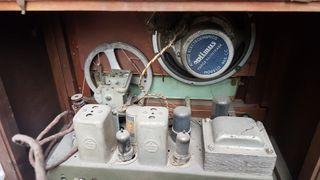 radio madera antigua