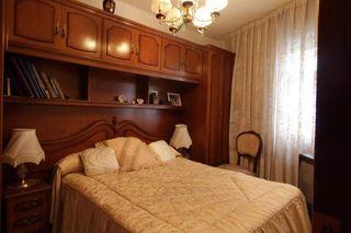 Dormitorio completo de madera maciza
