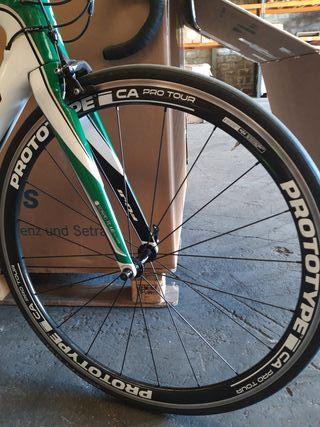 bicicleta Fuji Transonic