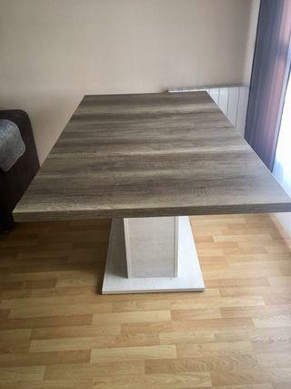 Mesa de comedor y mesa centro