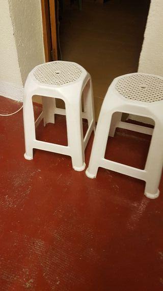 2 sillas plastico