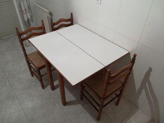 Mesa cocina + 3 sillas