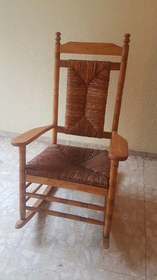 mecedora rustica con asiento nea