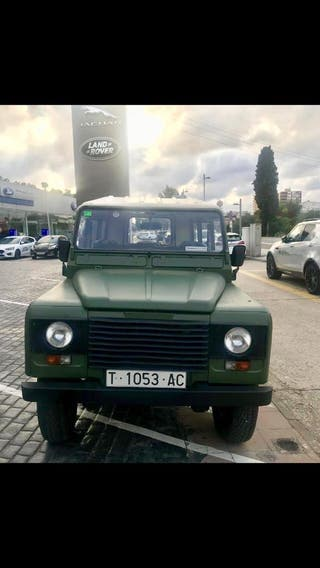 Land Rover Defender 1990