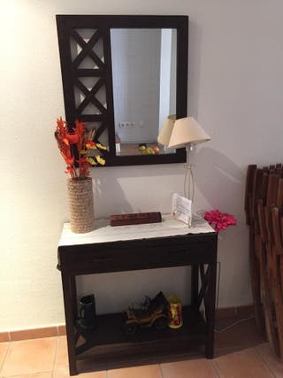 Mueble de entrada + espejo en madera marron