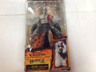 Figura Kratos God of War con Espadas de Atena