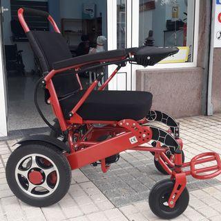 Silla de ruedas eléctrica y plegable