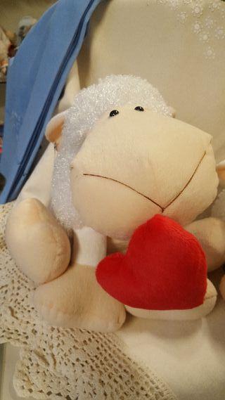 Peluche Oveja corazon grande