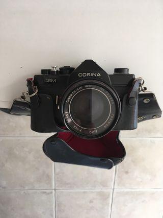 Camara de fotos de carrete y dos teleobjetivos