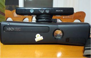 XBOX 360 S modelo 1439 disco duro 250 GB