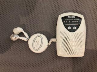 Mini radio bolsillo con altavoces incorporados
