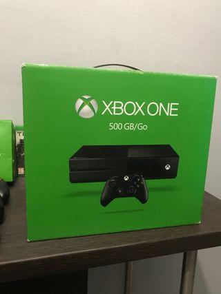 Xbox one 500 Gb 3 mandos en perfecto estado