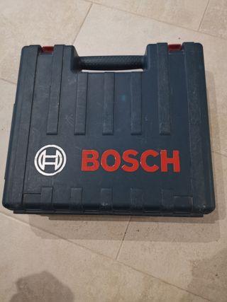 Martillo perforador Bosch+31 brocas Bosch.