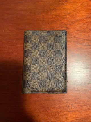 Estuche pasaporte Louis Vuitton