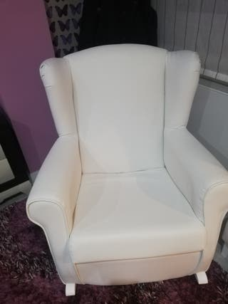 sofa mecedora lactancia