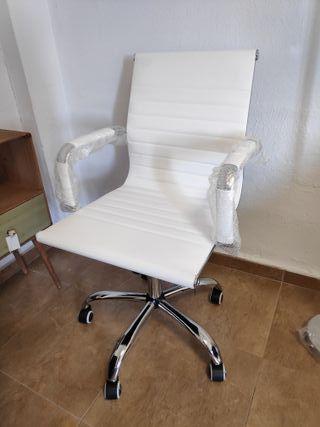 Silla de escritorio nueva blanca piel