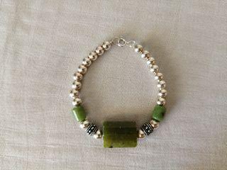 Pulsera plata y jade