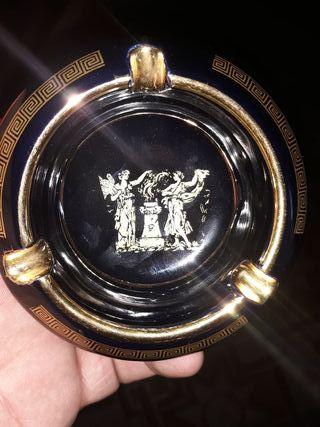 cenicero griego grabado a mano en oro de 24 k