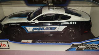 coche 1/18 ford mustang gt police