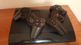 PS3 SLIM 500 Gb + 2 mandos.Caja original.