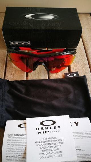 Oakley polarizada M2 9212