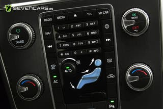 VOLVO XC60 2.0 D3 Momentum Auto 136CV