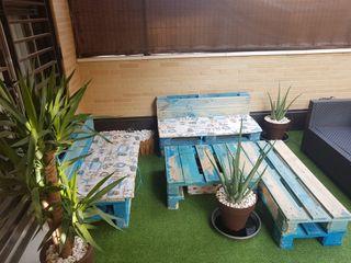 conjunto de muebles con palets.