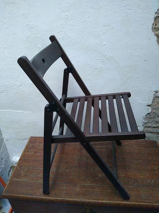 8 sillas de madera plegables