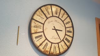 Precioso Reloj decorativo de Pared Louis Barnard