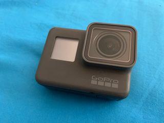 GoPro Hero 5 Black + 2 baterías + accesorios