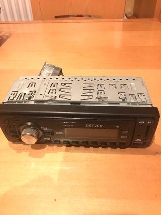 Radio del coche con pendrive