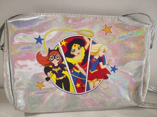 DC superheroes girls