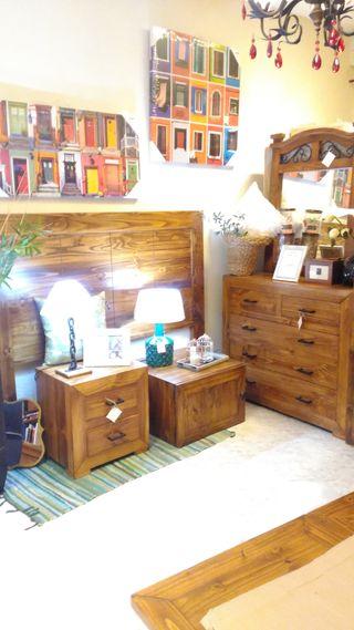 Dormitorio madera maciza