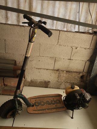 Go-Ped Trail Ripper patinete con un motor de 4cv