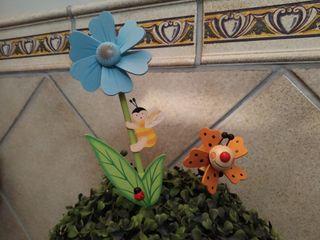 Dos molinillos decoración jardín