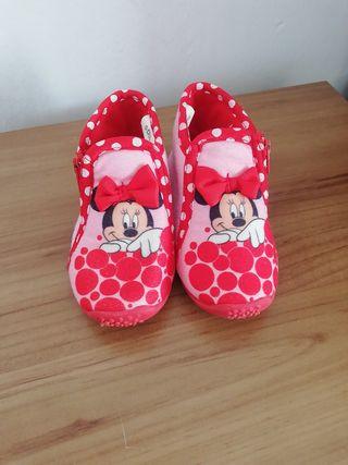 Zapatillas de estar en casa de niña Disney