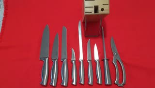 Tacoma con cuchillos.