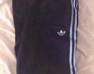 Pantalón azul Adidas