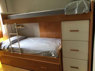 Litera con cama nido.