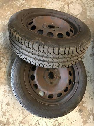 Ruedas con neumáticos