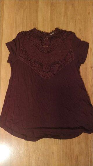 Camiseta de Bershka!! con encaje,talla XS-S