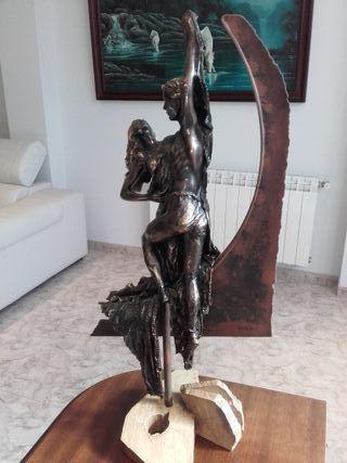 FIGURA DE BRONCE (PAREJA)
